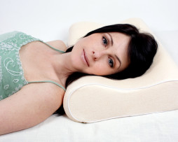 Sleeping lady on Contour pillow