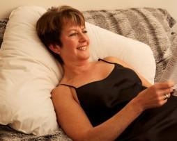 Boomerang Pillow 2 - lady